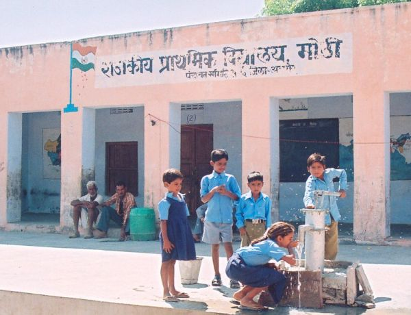 1600 Rooftop Rainwater Harvesting structures constructed in 1100 Schools and community Centre collecting 1 Billion Litres for 5,00 000 school children in 13 States of India